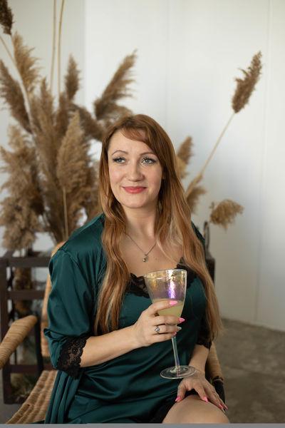 Joanne Myers - Escort Girl from Naperville Illinois