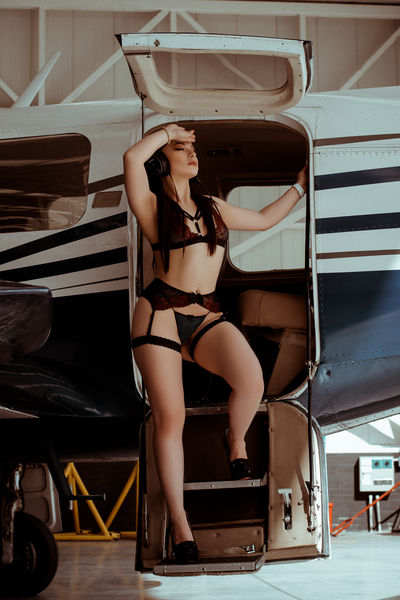 Briana Bellamy - Escort Girl from Naperville Illinois