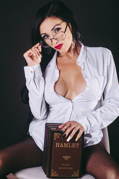 Casandra Hazel - Escort Girl from Naperville Illinois