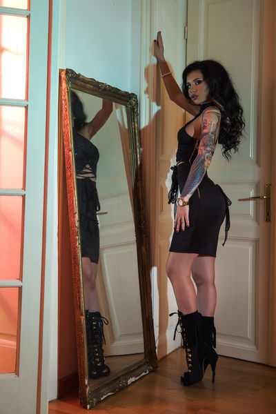 Cecelia Mabe - Escort Girl from Mobile Alabama