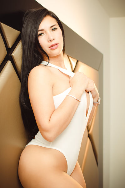 Clara Lanoue - Escort Girl from Moreno Valley California