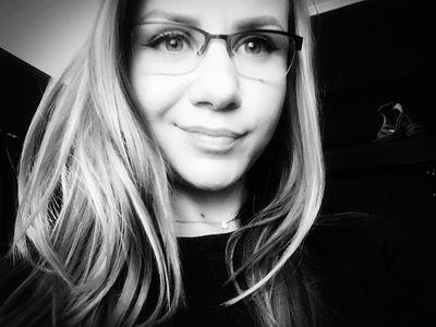 Gail Lukas - Escort Girl from Naperville Illinois