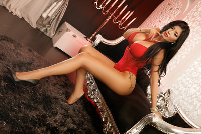 Kelly Harris - Escort Girl from Naperville Illinois