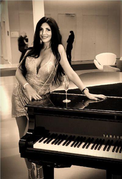 Pauline Bogdan - Escort Girl from Murfreesboro Tennessee