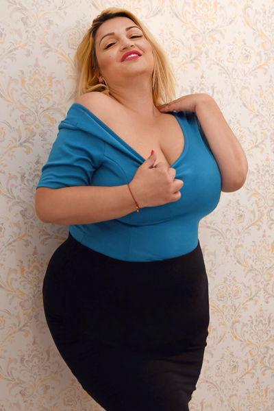 Lovely Noemy - Escort Girl from Naperville Illinois