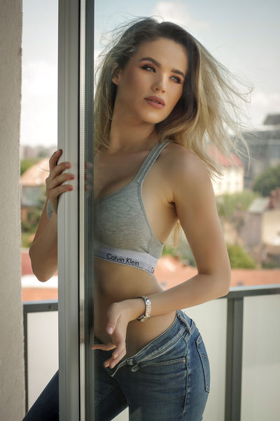 Helen Judd - Escort Girl from Modesto California