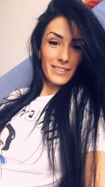 Linda Schoen - Escort Girl from Mobile Alabama