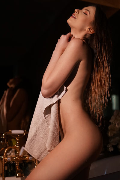 Virginia Chambers - Escort Girl from Corona California