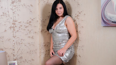Constance Yu - Escort Girl from Naperville Illinois