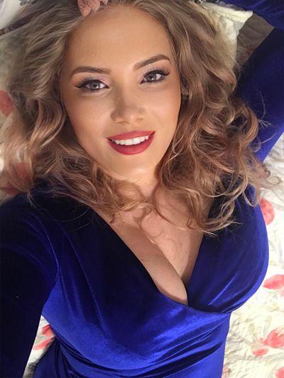 Blonde Adelle - Escort Girl from Montgomery Alabama
