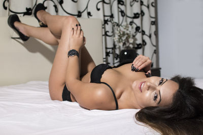 Charlize Bell - Escort Girl from Hialeah Florida