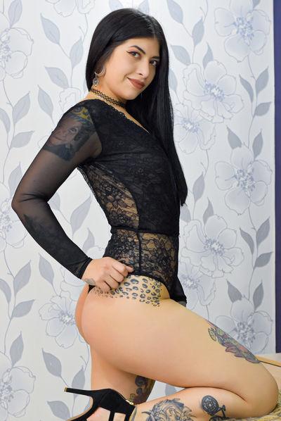 Geral Stone - Escort Girl from Modesto California