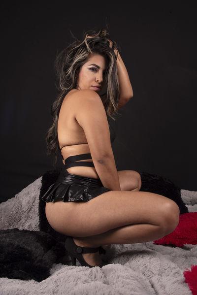 Isa Martinez - Escort Girl from Murfreesboro Tennessee