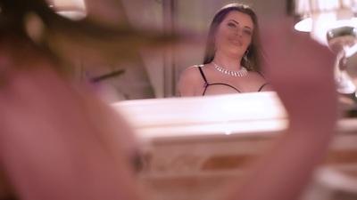 Karla In Love TS - Escort Girl from Naperville Illinois