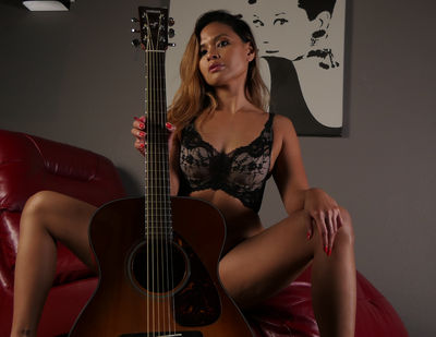 Kira Delano - Escort Girl from Hialeah Florida