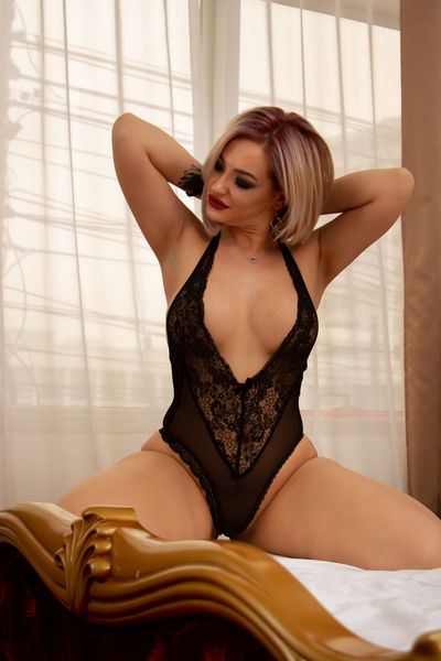 Luci Raynbow - Escort Girl from Moreno Valley California