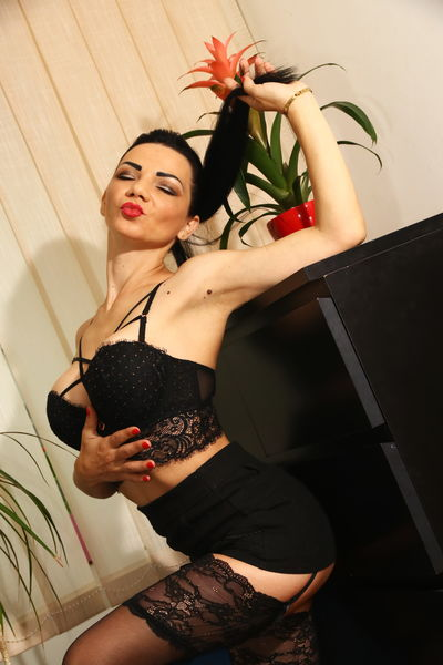 Maria June - Escort Girl from Moreno Valley California